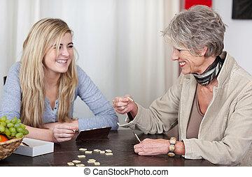 abuela, diversión, nieta, teniendo