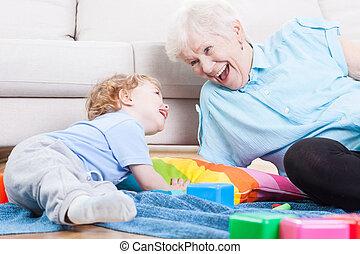 abuela, juego, nieto