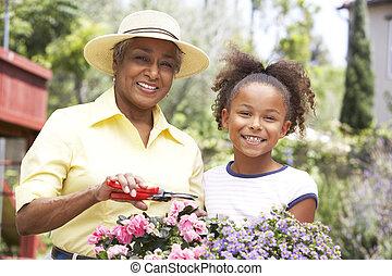 abuela, nieta, jardinería, juntos
