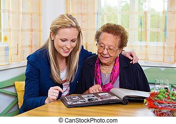 abuela, visited, nietos