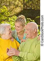 abuelos, nieta, aire libre