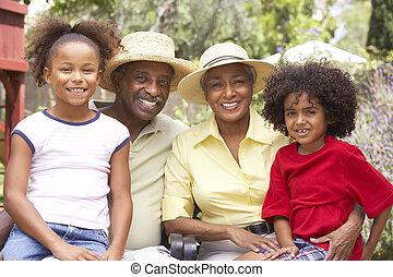 abuelos, nietos, jardín, relajante
