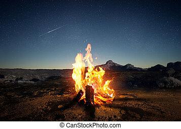 acampamento verão, fogo, em, anoitecer