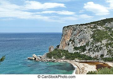 acantilados, en, idylic, playa, costa, hiliday, paraíso