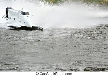 accélérez bateau