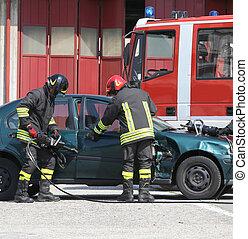 acc, porte, voiture, pompiers, après, incident, ouvert