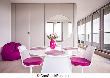 Accessories in the dining room - Pink and modern accessories...