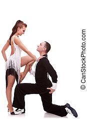 acción, bailarines, latino