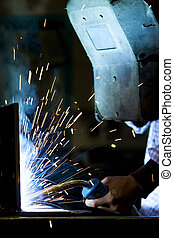 acciaio, mentre, lavoratore, giovane, saldatura
