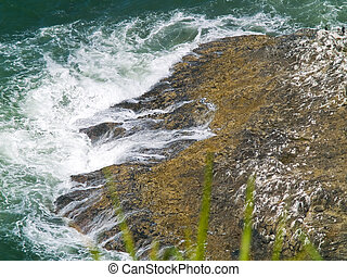 accidenté, rocheux, littoral, sur, les, côte orégon, négliger, depuis, cap, meares, phare