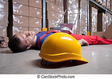 Accident in a warehouse