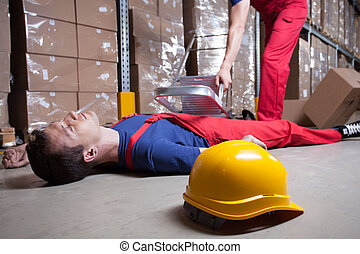 Accident in factory - Accident during work at height in...