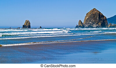 accidentato, roccioso, costa oregon, roccia, mucchio fieno, spiaggia, caratterizzare