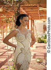 acconciatura, brunetta, makeup., moda, hair., ragazza, vestire, sensuale, stile, gioielleria, face., perla, bianco, donna, bellezza, trucco, fascino, matrimonio, beads., sguardo, diadema, sposa, modello