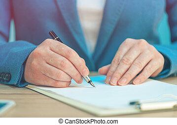 accordo, affari, mani, su, scrittura, femmina, firma, chiudere