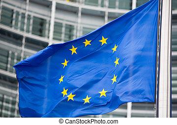 accumulation, berlaymont, fin, drapeau, eu, devant