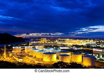 aceite, tanques, planta, por la noche