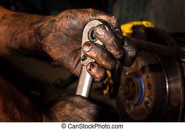 aceite, trabajar mucho, lleno, manos, hombre