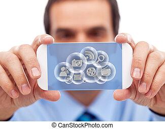 acessando, dispositivo, aplicações, esperto, homem negócios, nuvem