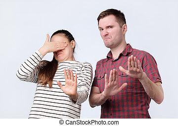 achat, couple, ofyoung, refuser, il, regarder, désagréable, quelque chose, mains, portrait, faire gestes