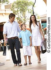 achats, famille, jeune, ensemble, apprécier, voyage