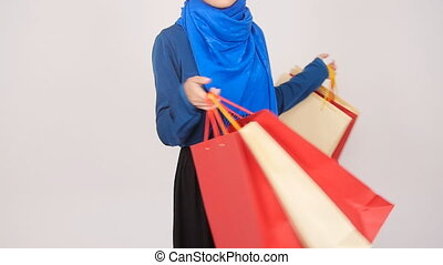 achats femme, musulman, jeune, porter, bag., heureux