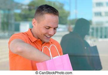 achats, jeune, sac, delving, heureux, homme