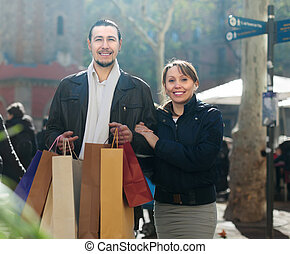 achats, milieu, couple, sourire, sacs, vieilli