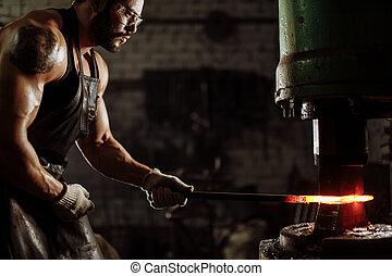 acier, morceau, caucasien, température, fournaise, chaud, jeune, blacksmit, quoique, chauffage