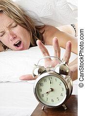 acordar-se, tarde