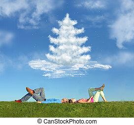 acostado, pareja, en, pasto o césped, y, sueño, árbol de navidad, collage