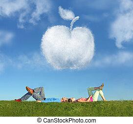 acostado, pareja, en, pasto o césped, y, sueño, manzana, collage