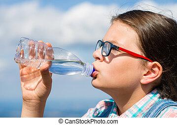 acqua, ragazza, fuori, bere, giovane