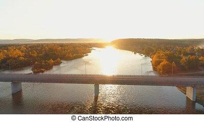 across., las, prospekt, jesień, rzeka, opróżniać, antena, rano, wschód słońca, most