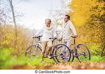 actiefs seniors, fietsen, paardrijden