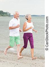 actieve oudste, paar