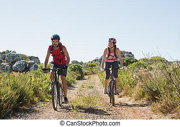 actif, couple, cyclisme, campagne