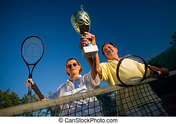 actif, gagner, couples aînés