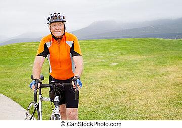 actif, portrait, mâle aîné, cycliste