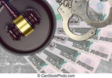 action éviter, procès, ou, desk., concept, impôt, 1000, judiciaire, bribery., police, tribunal, factures, rubles, juge, russe, menottes, marteau