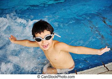 activiteiten, op, de, pool, kinderen, zwemmen, en, spelend, in, water, geluk, en, summertime