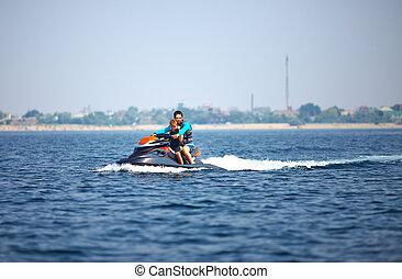 activo, gente, equitación, en, watercraft., diversión de verano