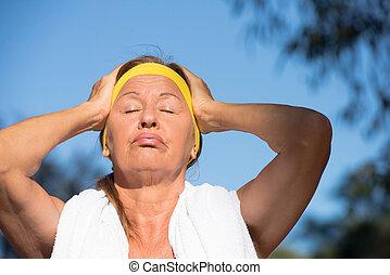 activo, mujer, deportivo, maduro, sudoroso