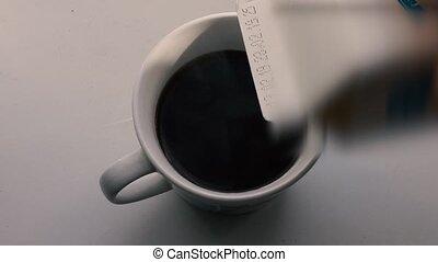 add milk to coffee