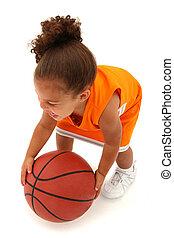 addorable, bebé, niña, niño, en, uniforme, con, baloncesto
