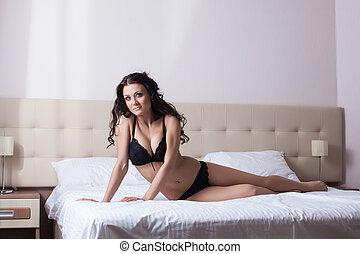 adelgaçar, morena, posar, em, pretas, lingerie sexy
