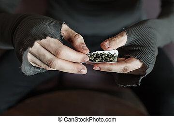 adicto, manos, elaboración, marijuana, jamb, closeup.