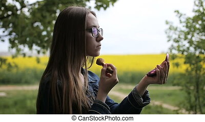 adolescent, amis, poser, et, prendre, selfies