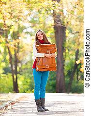 adolescent, automne, girl, extérieur, valise
