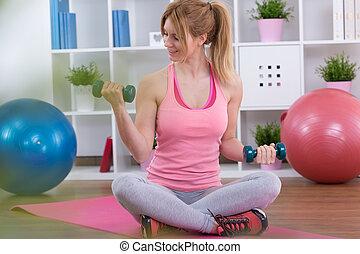 adolescent, dumbbells, fille exercer